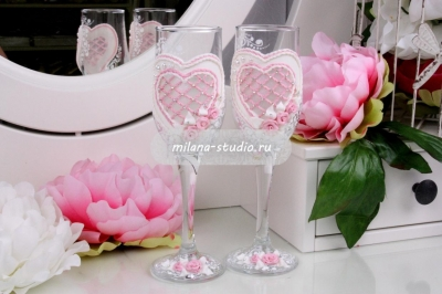 Бокалы «Розовый корсет»