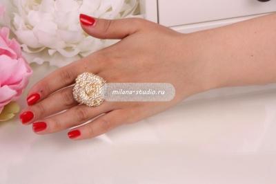 Золотистое кольцо «Розарий»